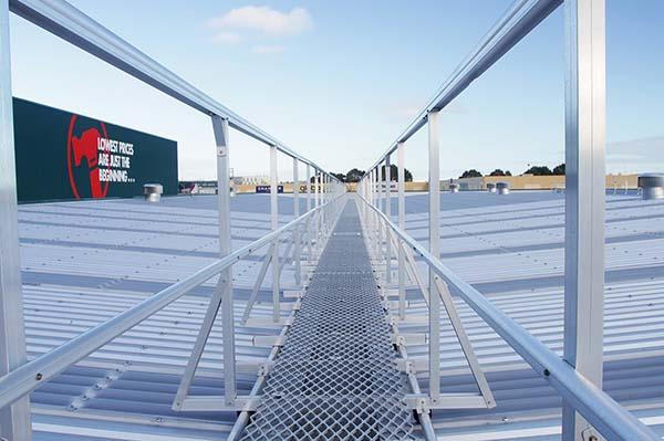 护栏设置_围墙铝艺护栏