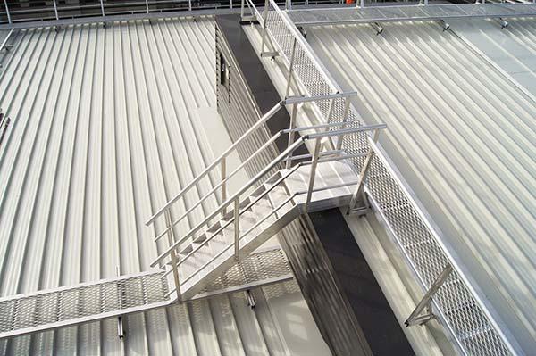护栏建造公司_建筑现场安全围栏