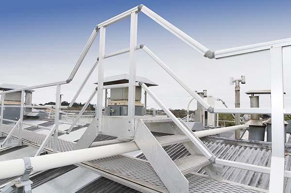 优质的护栏建造厂家_安全围栏规格