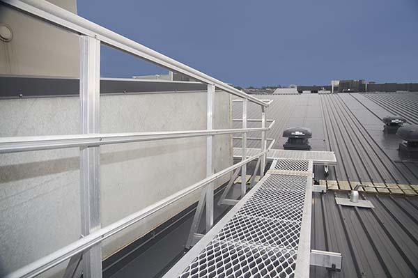 施工基坑围栏_煤矿护栏设计