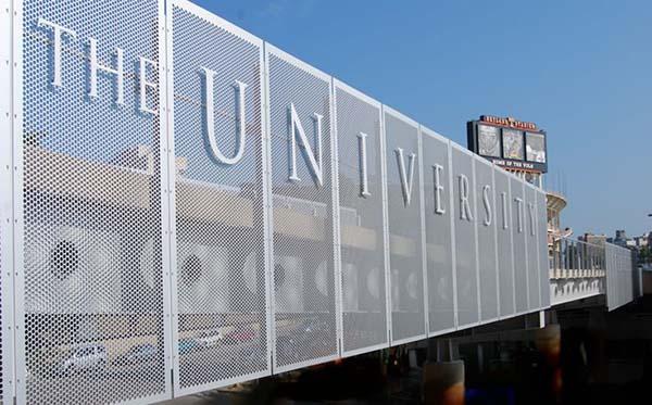 栅栏设计效果图_围墙围栏厂家