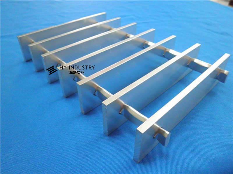 铝格栅施工方法|铝格栅铝方通