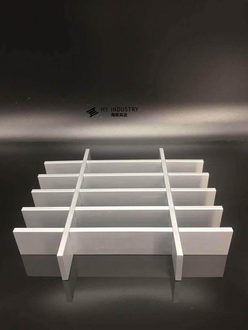 仿木铝格栅|铝格栅吊片