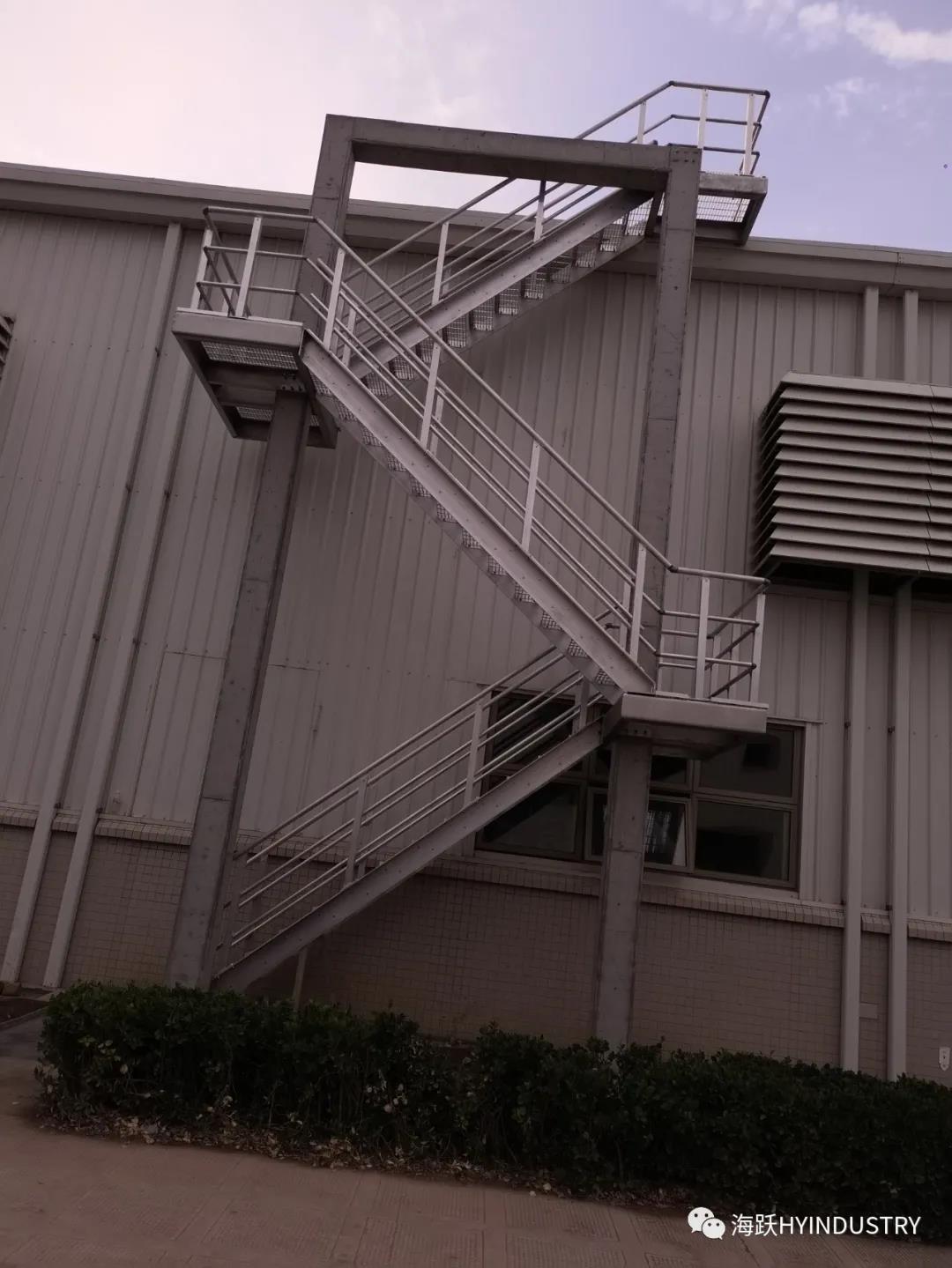 条形铝格栅|仿木铝格栅厂