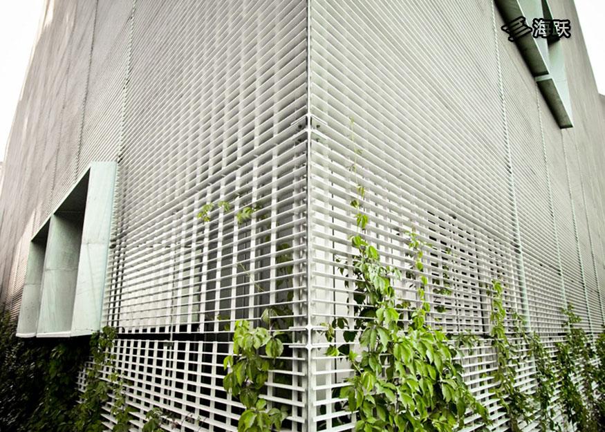 马尼托巴大学铝格板幕墙设计