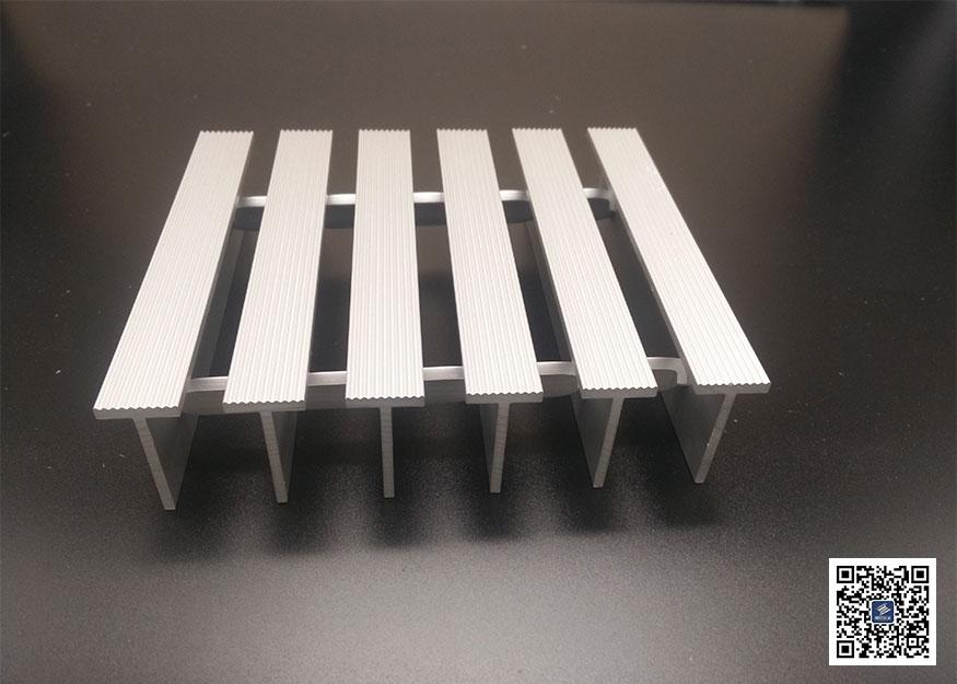 T型铝格板图